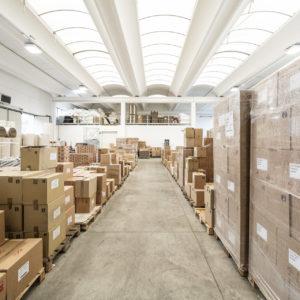 magazzino Modena Nastri - prospettiva su scatoloni